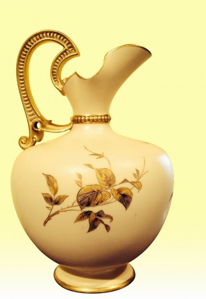 A Beautiful Large Antique Royal Worcester Ewer