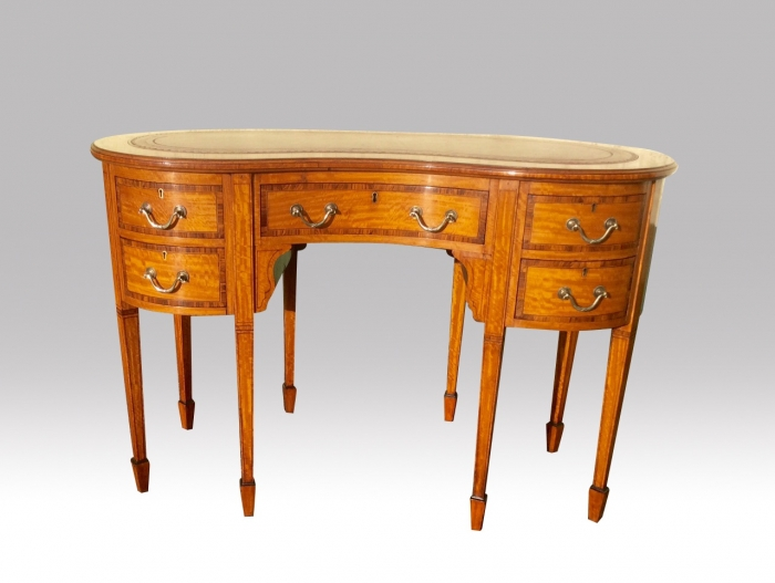 Stunning Quality Antique Inlaid Satinwood and Kingwood banded  Kidney Shape Desk