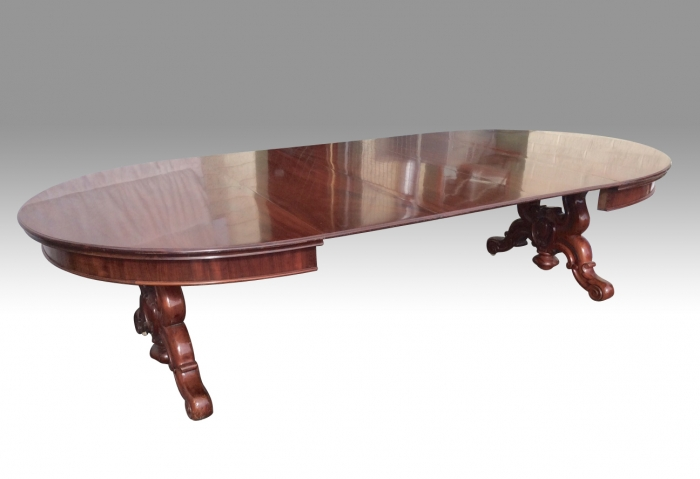 Large Three Leaf Antique Oval Dining Table of Extreme Quality with Pedestal Legs