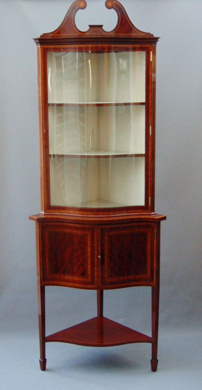 Quality Inlaid Mahogany Serpentine Shaped Antique Corner Cabinet,