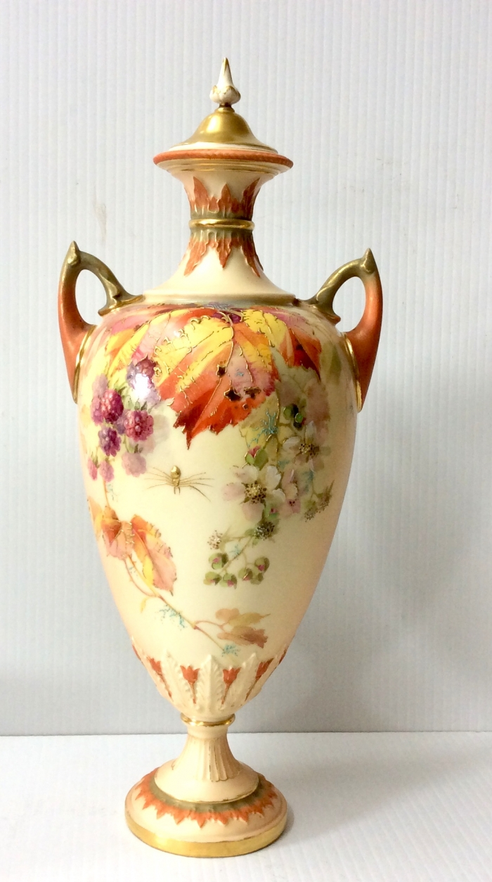 Beautiful Antique Royal Worcester Vase Complete With Original Cover