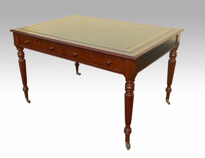 Fine Quality Early Victorian Mahogany Antique Libary Table