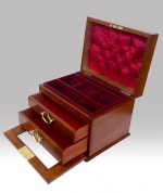 Fabulous Quality Figured Walnut Antique Domed Top Jewellery Box - Click to Enlarge