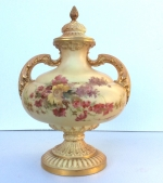 Beautiful Large Antique Royal Worcester Urn With Cover - Click to Enlarge
