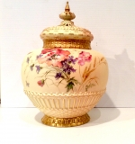 Fabulous large Antique Royal Worcester Pot Pourri Rose Jar and crown cover. - Click to Enlarge